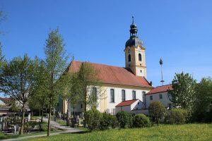 pfarrkirche st augustinus aussen02 300x200 - Pfarrkirche St. Augustinus (kath.)