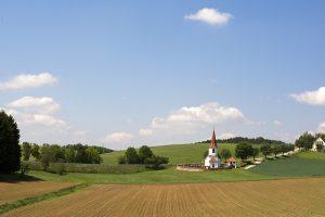 sankt oswald landschaft 300x200 - St. Oswald Hörlbach